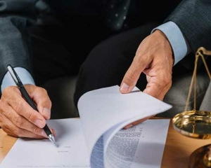 business-contracts-michele-diglio-lawyer-2