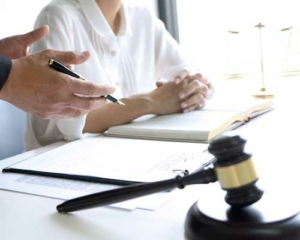 commercial-residential-lawyer-michele-diglio-lawyer-2
